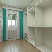 Transforma ese espacio libre de tu hogar en un vestidor